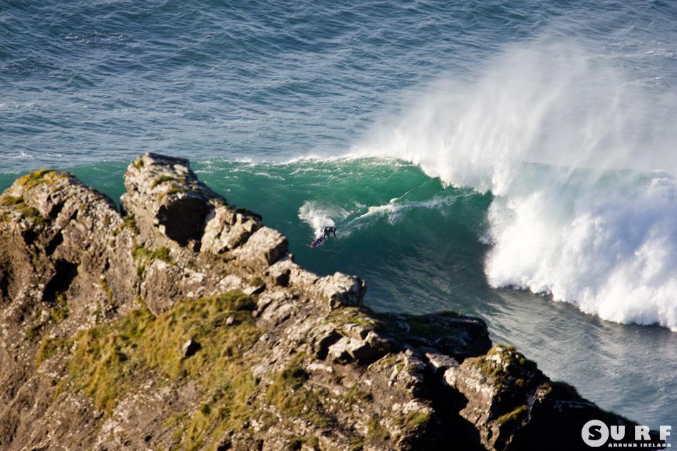 Alieens Surfing